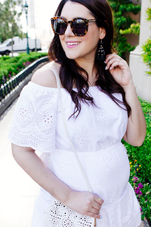 Eyelet white dress with Burberry Crossbody
